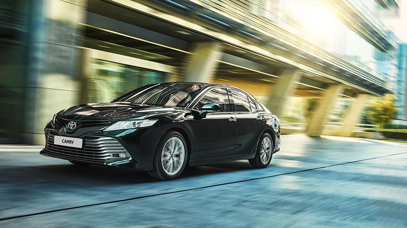 Toyota объявила цены на новый бизнес-седан Toyota Camry