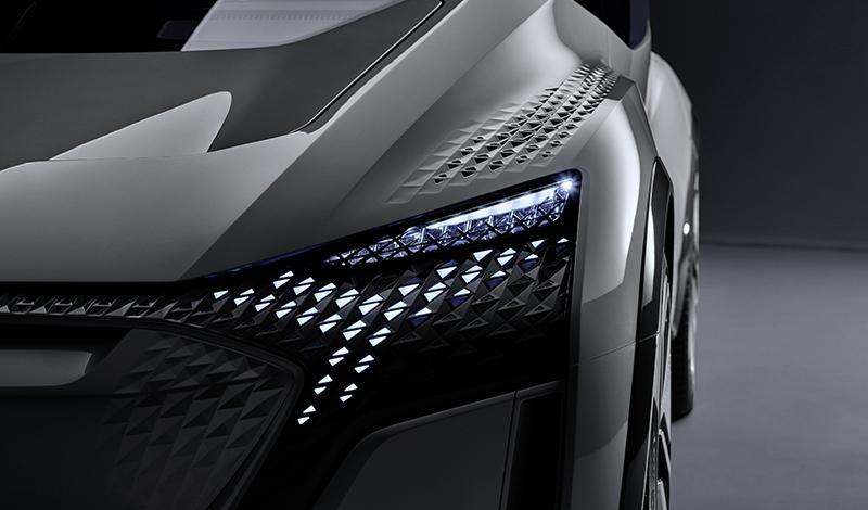 Шанхайский автосалон 2019:  Ауди покажет серийные версии полностью электрических Audi e-tron и Q2L e-tron