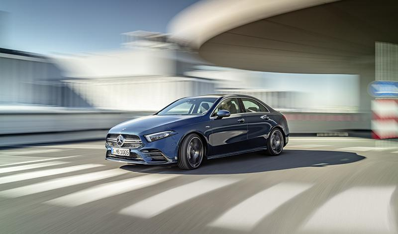 Новый седан Mercedes-AMG A 35 4MATIC (306 л.с+полный привод = 4,8 сек до 100 км/ч)
