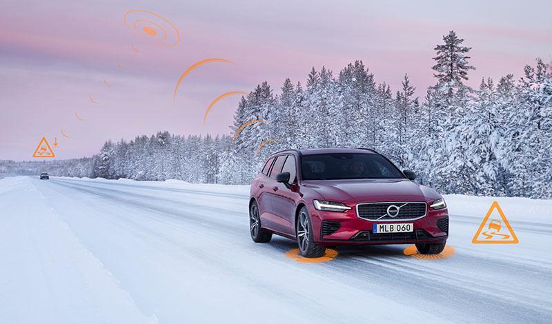 Volvo будут предупреждать водителей о скользкой дороге