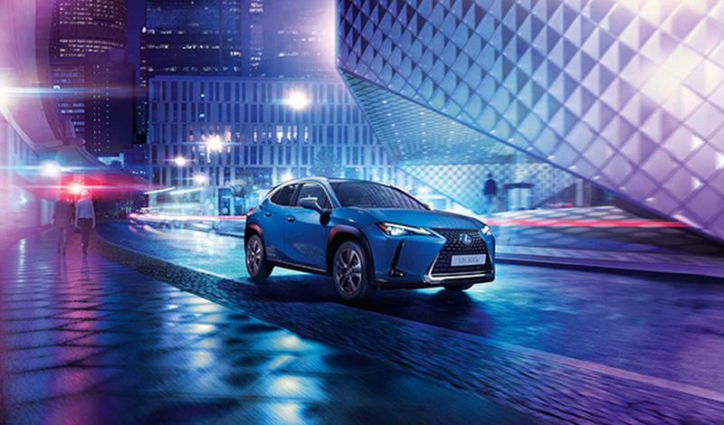 Lexus:Lexus представил первую серийную модель с электродвигателем. клади ее в модель UX