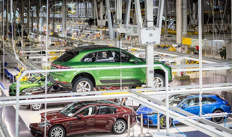 Porsche:На заводе в Лейпциге начато серийное производство нового Macan