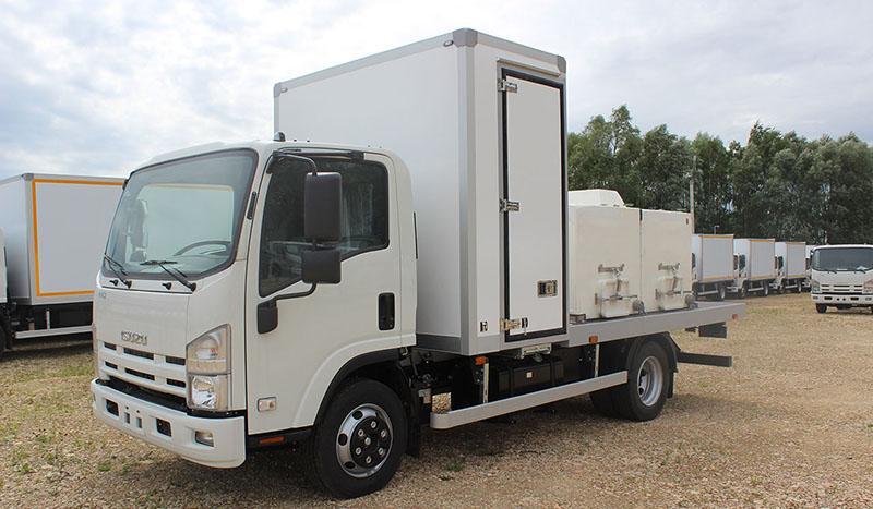 ISUZU:«Автомеханический завод» представил автомобиль для перевозки живой рыбы на шасси ISUZU ELF