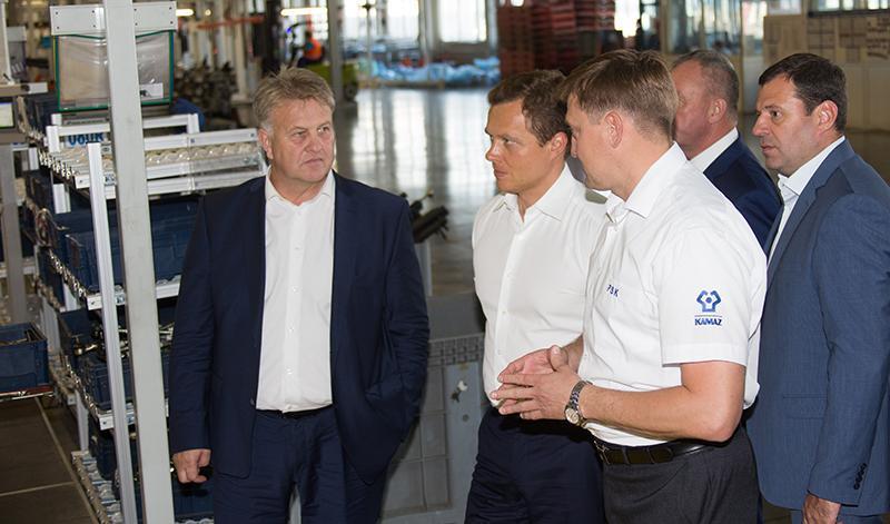 «КАМАЗ» с рабочим визитом посетила делегация транспортного комплекса Москвы