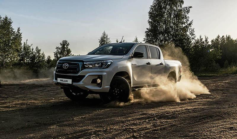 Toyota:15 августа стартовали продажи Toyota Hilux в комплектации Exclusive Black