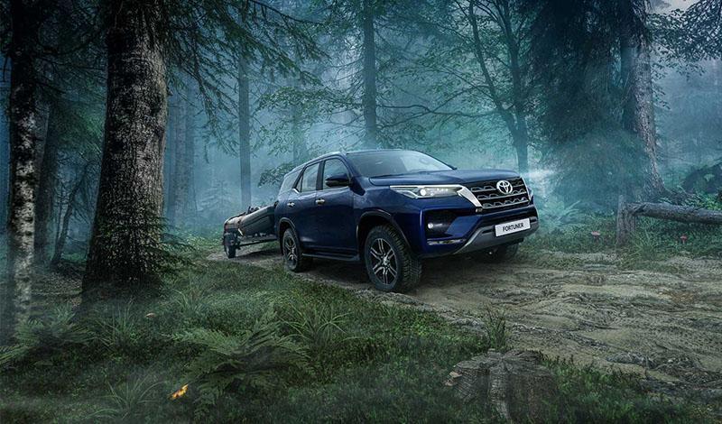 Toyota:Рестайлинговые Toyota Hilux и Toyota Fortuner доступны к заказу