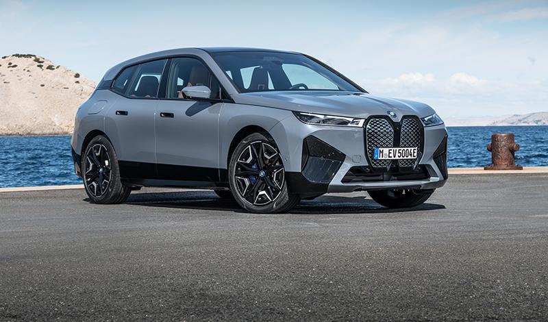 Российские цены на новый BMW iX стартуют с 8 500 000 рублей