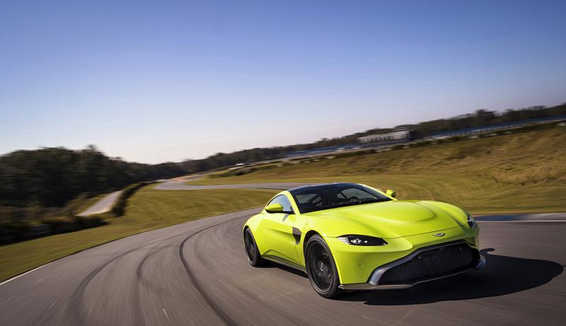 Новый Vantage – смелый и великолепный дизайн спортивного автомобиля
