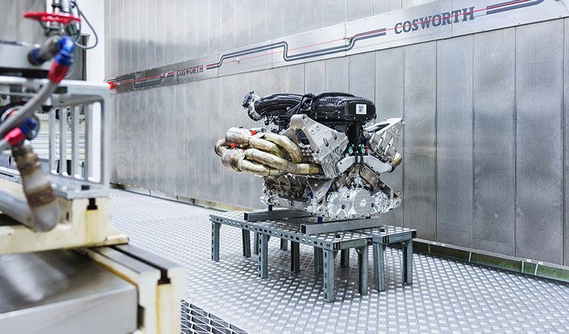 Aston Martin представляет новый 1000-сильный двигатель V12 для Valkyrie