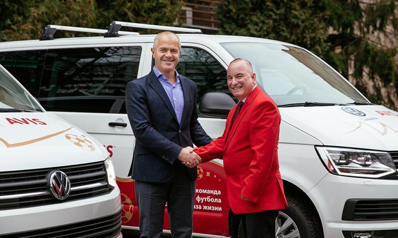 Volkswagen:Марка Volkswagen и компания AVIS предлагают путешественникам новые Caravelle