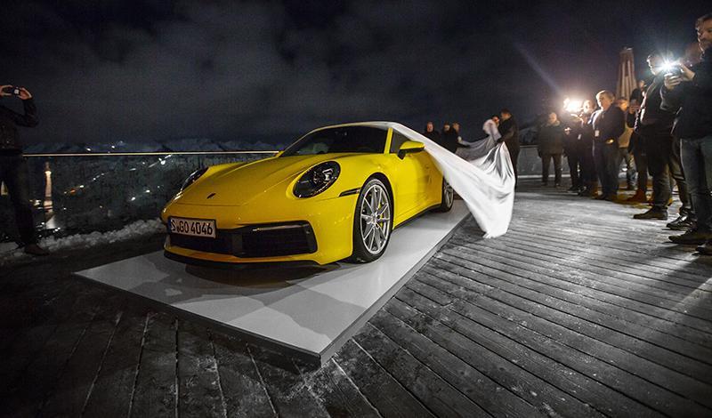 Porsche:Презентацию нового Porsche 911 провели на льду и снегу