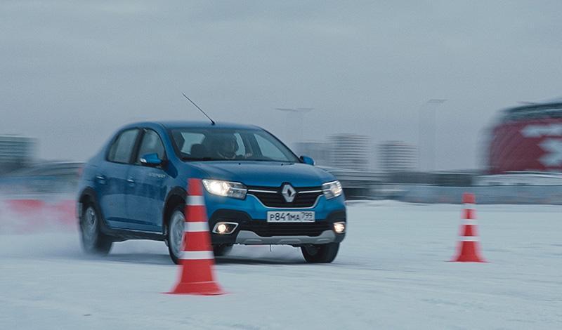 Renault объявляет о старте социального проекта «Тест-драйв адаптация Renault»