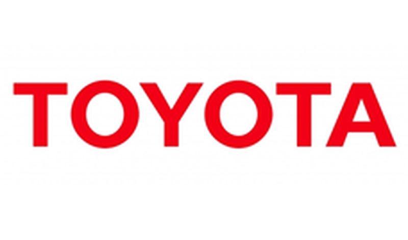 На Toyota  Highlander ошиблись: меняют противотуманные фары с лампами светодиодного типа на галогеновые