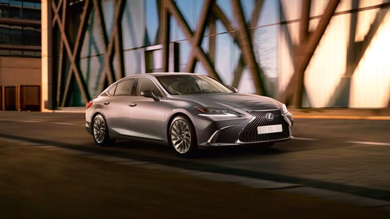 Lexus объявляет о начале приема заказов на бизнес-седан Lexus ES седьмого поколения