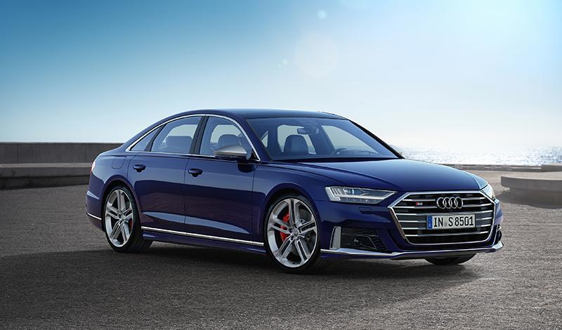 Представлен Audi S8  2020 года. По капотом V8 с технологией умеренного гибрида - 571 л. с. и 800 Н·м
