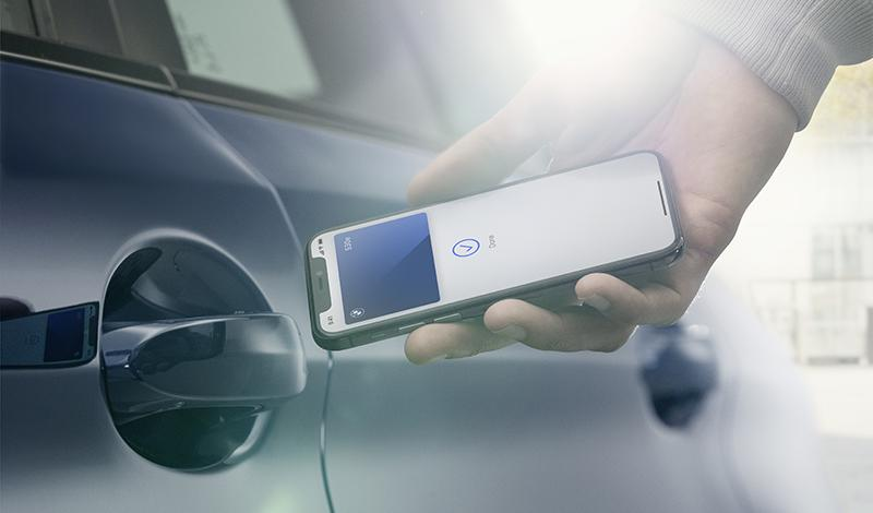 BMW Digital Key —  iPhone как автомобильный ключ