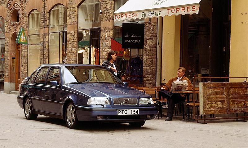 Модель Volvo 440 отмечает 30-летний юбилей
