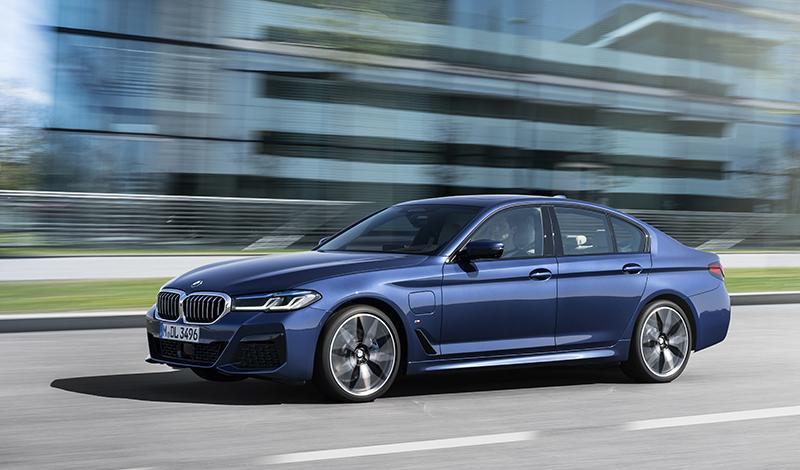 """Обновленная """"пятерка"""" BMW стала доступна к заказу"""