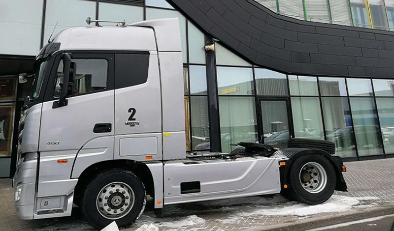 FOTON:Foton представила модель 5-го поколения грузовиков новый Auman EST