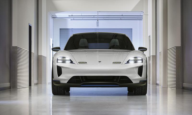 Porsche:Новости из Женевы: Porsche представил концепт-кар Mission E Cross Turismo