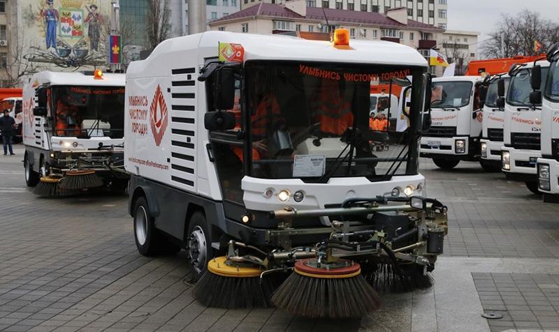 ISUZU:В Краснодаре состоялся парад мусороуборочной техники с 46 новыми автомобилями на шасси ISUZU