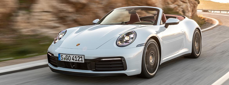 Новый Porsche 911 Carrera Cabriolet оснащен уникальным складным верхом с плоскими дугами