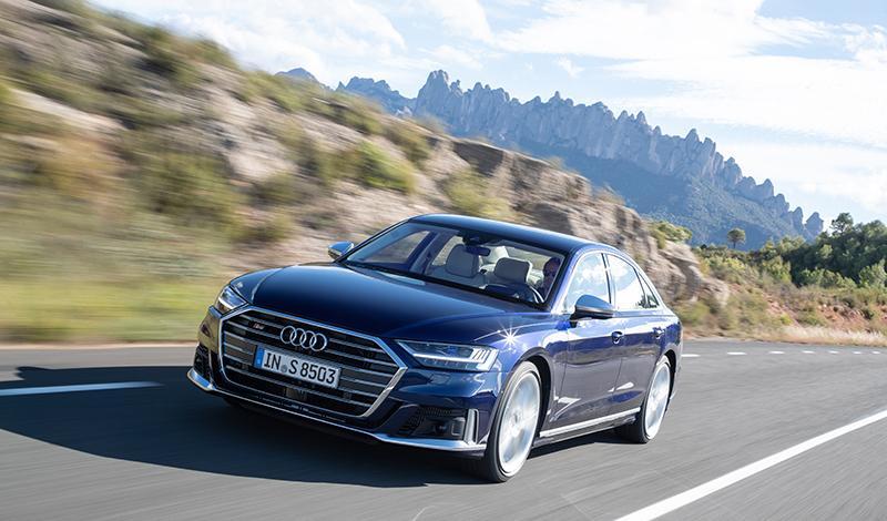 Audi:Audi S8 2020 можно заказать по цене от 10 290 000 рублей