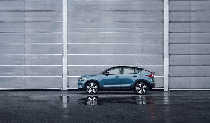 Кросс-кроссовер Volvo C40 Recharge представлен официально