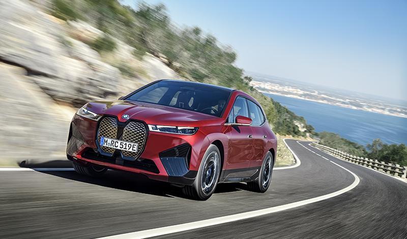 Подробно о новом электрокроссовере BMW iX