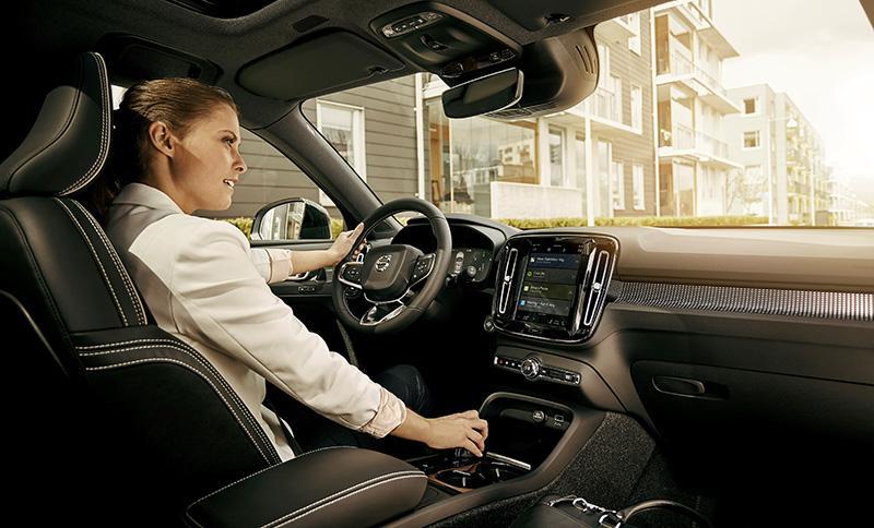 Volvo Cars в рамках сотрудничества с Google объявил об интеграции сервисов Google Assistant, Google Play, Google Maps