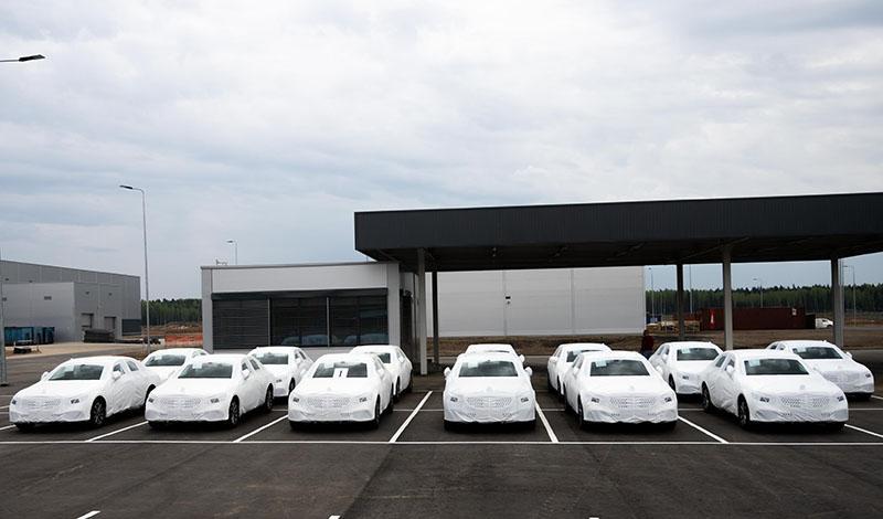 Mercedes-Benz:Первые седаны Мерседес сошли с конвейера в Подмосковье