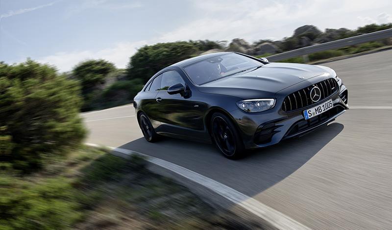 Mercedes-Benz:Мерседес обновил версии AMG в кузове купе и кабриолет