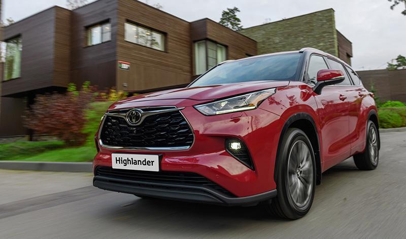 Четвертое поколение Toyota Highlander появится В России летом