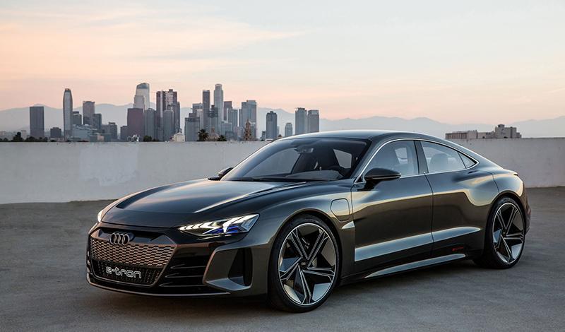 Дебют Audi e-tron GT - концепт четырехдверного купе от Audi