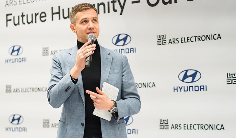 В Hyundai Motorstudio открылась выставка «Будущее человечества — общество для всех»