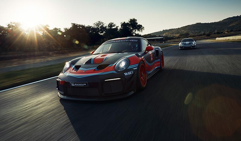 Porsche 911 GT2 RS Clubsport - мировая премьера