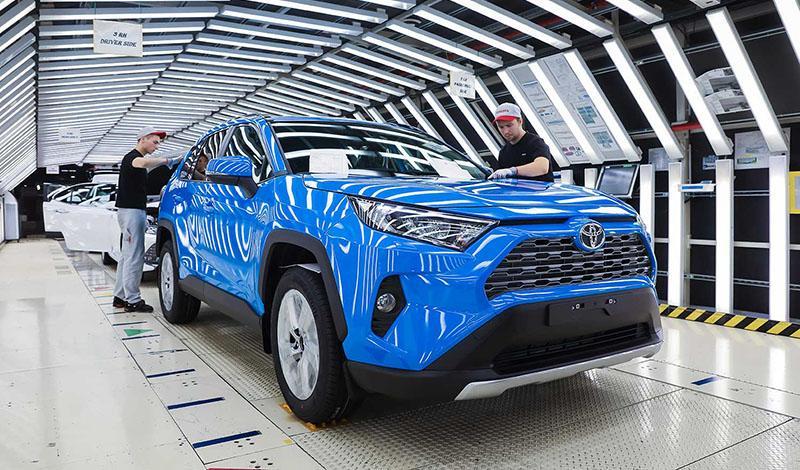 6 ноября состоялся запуск производства Toyota RAV4 пятого поколения в России