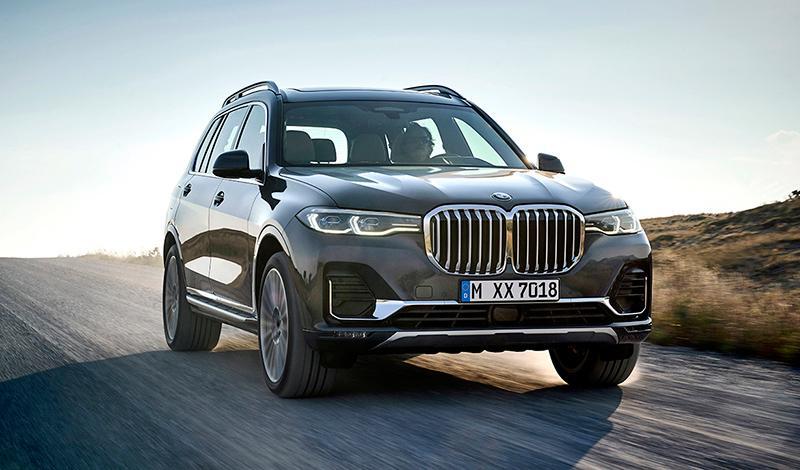 BMW X7 в России: цена от 5 830 000 руб. и двигатели от 249 л.с.