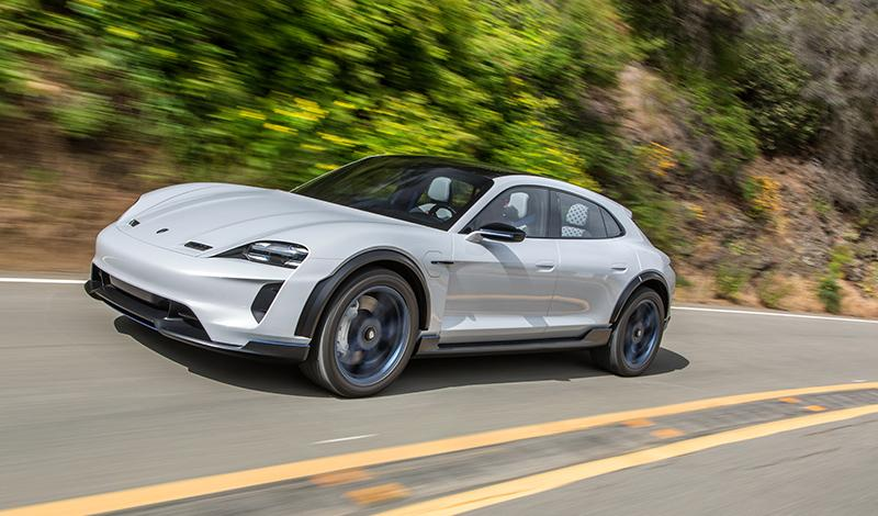 Porsche AG принял решение о серийном производстве спорткара Mission E Cross Turismo