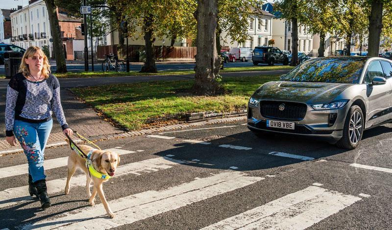 Новое звуковое оповещение AVAS для электрического Jaguar I-PACE