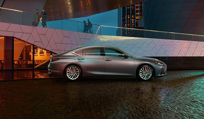 Lexus:На Парижском автосалоне 2018 состоялась европейская премьера новых моделей Lexus