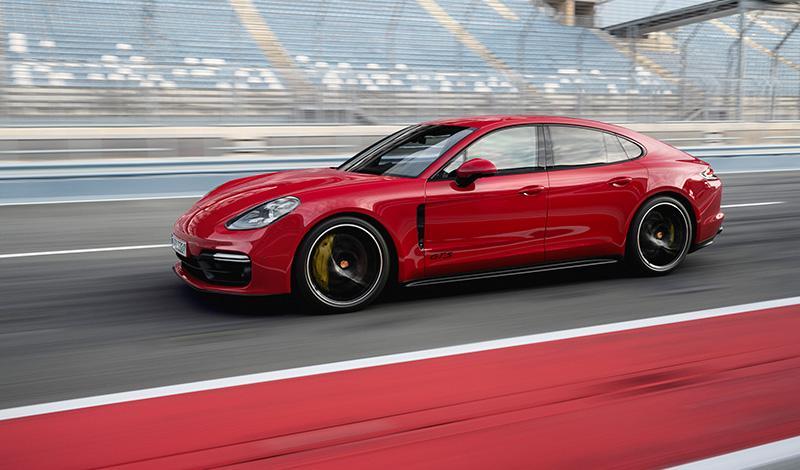 Porsche пополнил семейство Panamera новой особо спортивной моделью: Panamera GTS