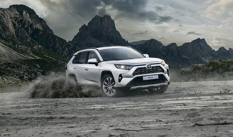 Toyota RAV4 2018 доступен для заказа. Старт от 1 756 000 рублей