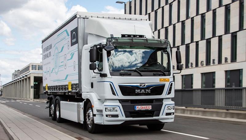 На заводе в Штайр прошла официальная передача первых грузовиков на электрической тяге типа MAN eTGM